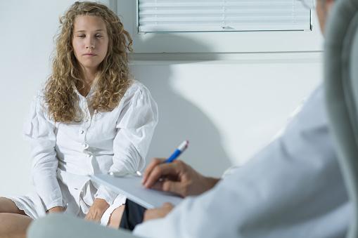 精神科初回入院で退院後死亡リスク16倍
