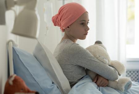 小児がん、成人の五大がんに次ぐ疾病負担