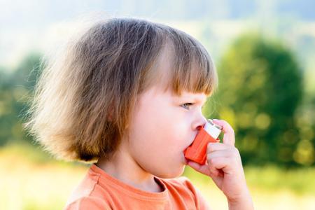 ビタミンDで小児喘息の増悪リスク低下せず